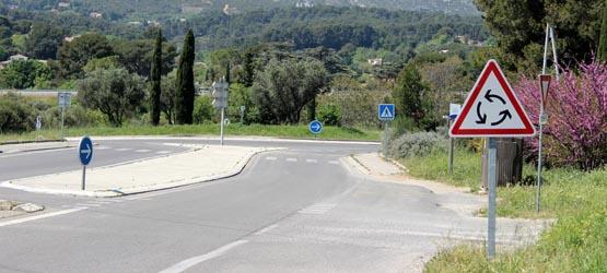 Le carrefour à sens giratoire