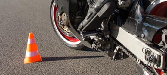 Maîtrise de la moto à allure lente - III