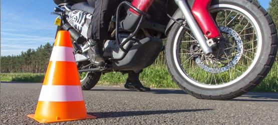 Maîtrise de la moto à allure normale - III